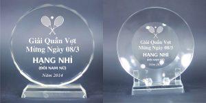 Kỷ niệm chương pha lê tại Hà Nội