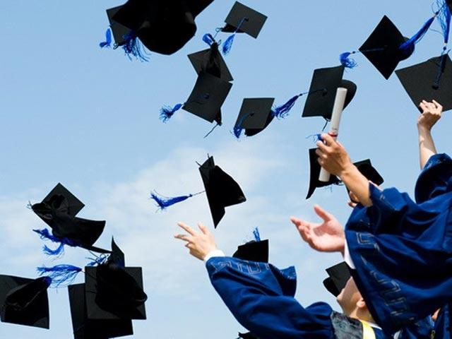 Mua quà tặng tốt nghiệp hình ảnh 1