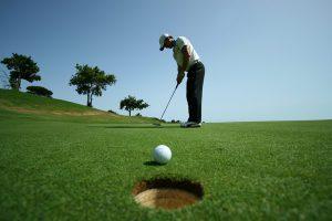 Golf là môn thể thao đòi hỏi sự kết hợp giữa cả thể lực và tư duy