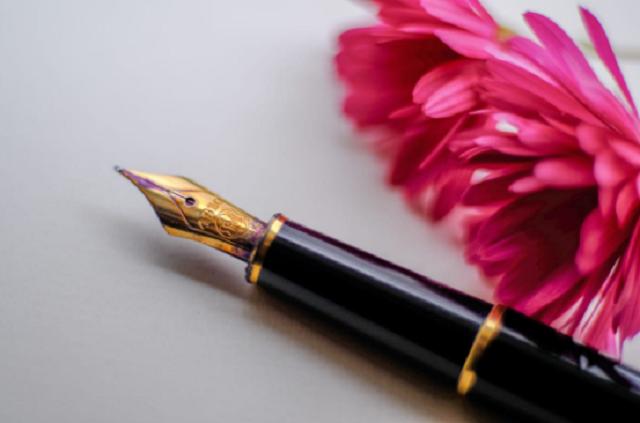 Tặng bút gỗ khắc chữ có ý nghĩa như thế nào ảnh 4