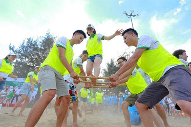 tro-choi-tap-the-teambuilding-cuc-hay-va-vui-nhon-anh-3