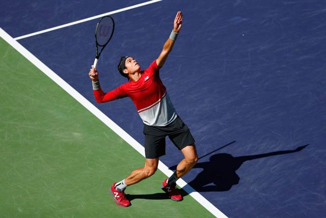 Ky-thuat-tung-bong-tennis-anh-2