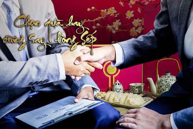 Lua-chon-qua-tang-cho-doanh-nghiep-anh-2