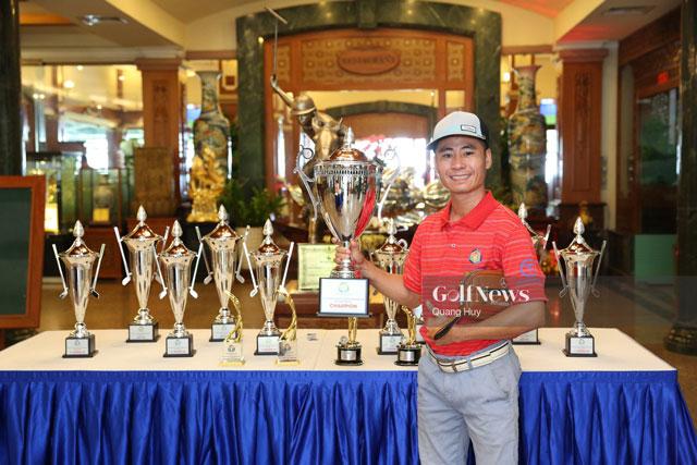 Cup-the-thao-bieu-tuong-nguoi-danh-golf